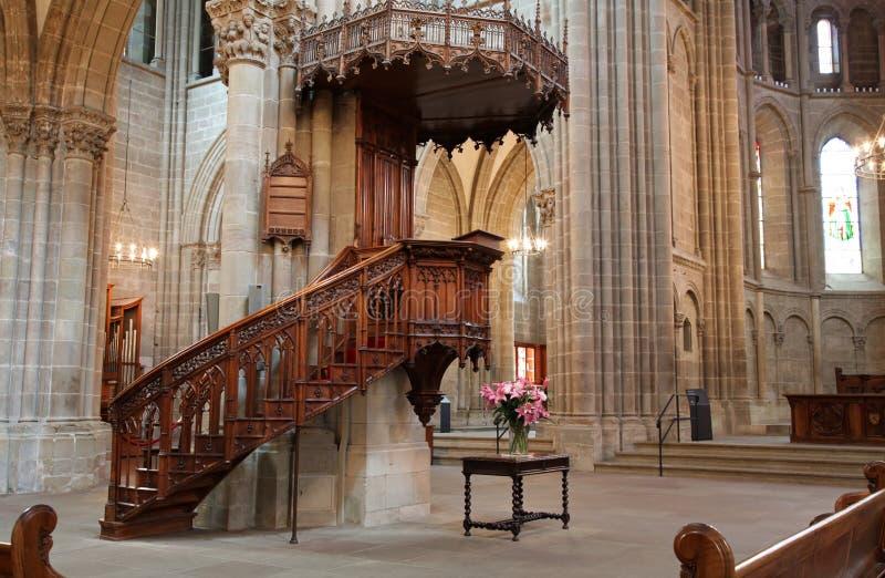 Catedral de Ginebra St Pierre con el púlpito imagen de archivo libre de regalías