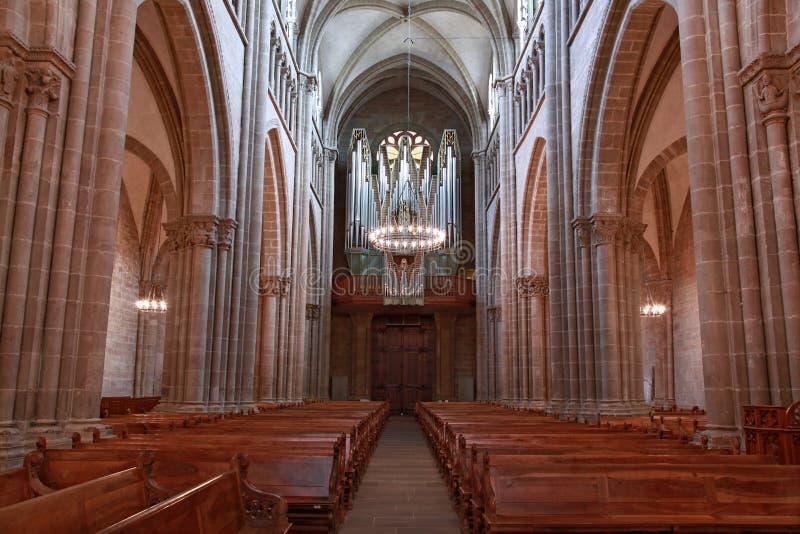 Catedral de Ginebra St Pierre dentro con los bancos y el órgano fotografía de archivo libre de regalías