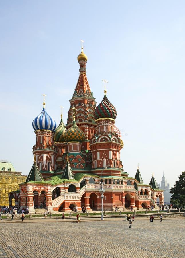 Catedral de la albahaca del santo en Moscú Rusia imagen de archivo