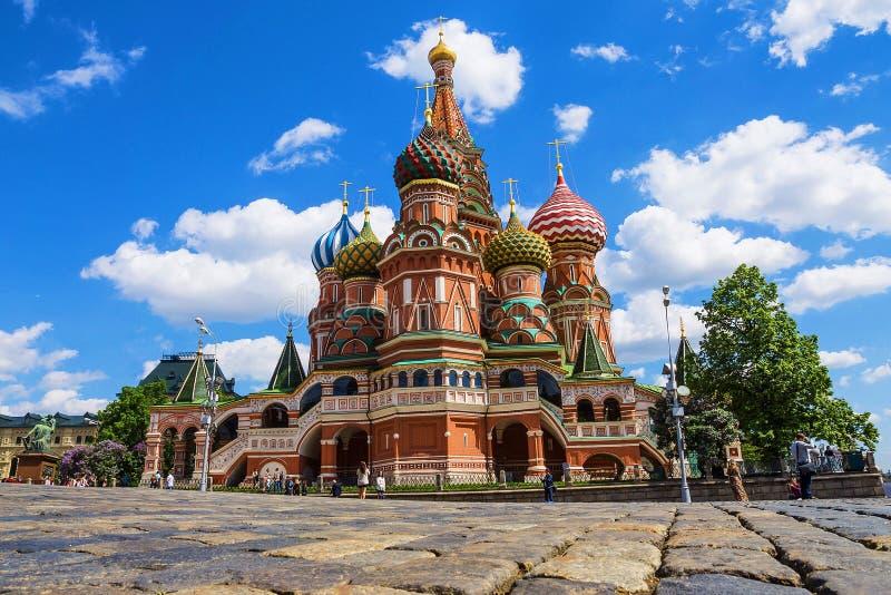 Catedral de la albahaca del St en Plaza Roja en Moscú, Rusia fotografía de archivo libre de regalías