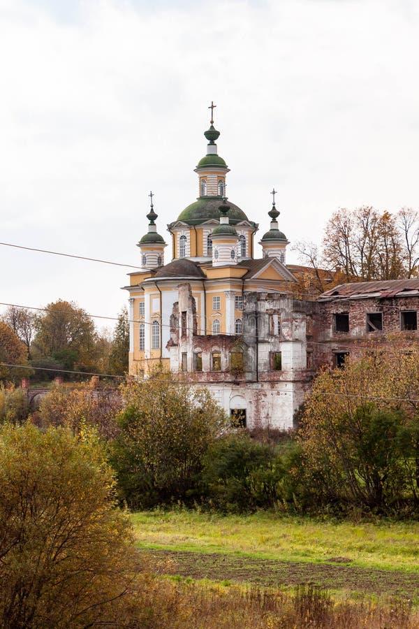 Catedral de la ascensi?n del se?or en el monasterio de Spaso-Sumorin de Totma, regi?n de Vologda, Rusia fotos de archivo