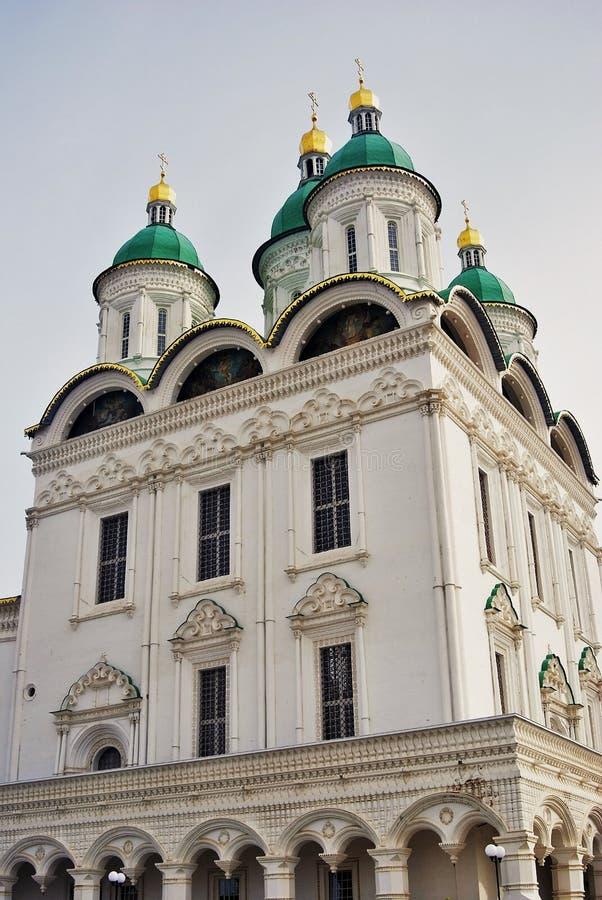 Catedral de la asunción El Kremlin en Astrakhan, Rusia Foto de color fotos de archivo