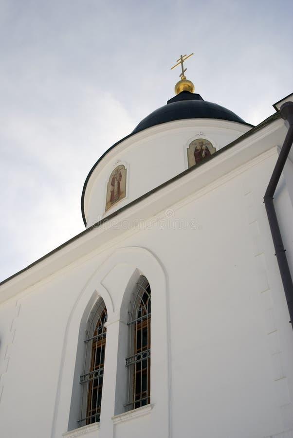 Catedral de la asunción El Kremlin en Dmitrov, ciudad antigua en la región de Moscú foto de archivo