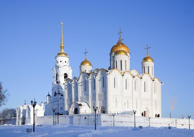 Catedral de la asunción en Vladimir en invierno fotos de archivo