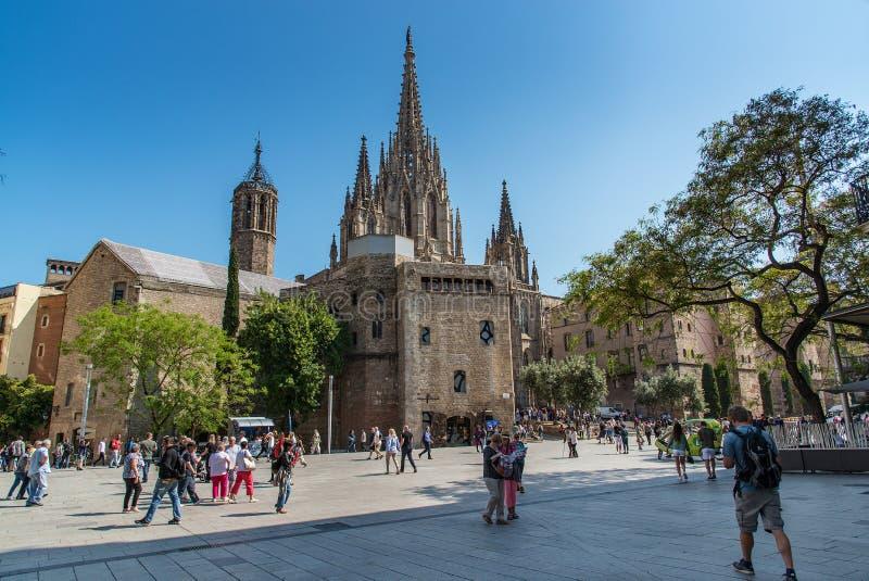Catedral de la cruz y del santo santos Eulalia Barcelona, España, el 21 de mayo de 2018 fotografía de archivo