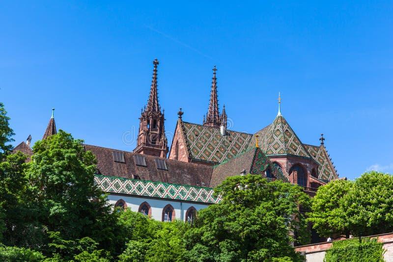 Catedral de la iglesia de monasterio de Basilea fotografía de archivo