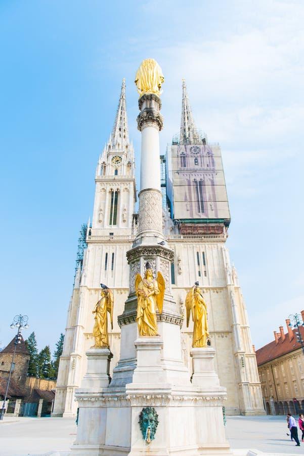 Catedral de la suposición Zagreb, Croacia imagen de archivo libre de regalías