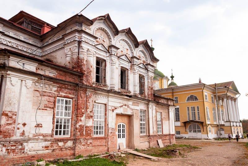 Catedral de la transfiguraci?n en el monasterio de Spaso-Sumorin de Totma, regi?n de Vologda, Rusia foto de archivo