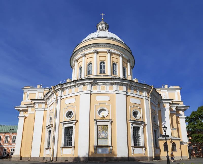 Catedral de la trinidad de Alexander Nevsky Lavra, St Petersburg foto de archivo libre de regalías