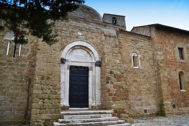 Catedral de los santos Peter y Paul, Duomo di Sovana Toscana, Italia imagenes de archivo