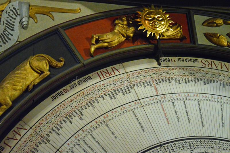 Catedral de Lund, Suécia - interior - pulso de disparo astronômico foto de stock royalty free