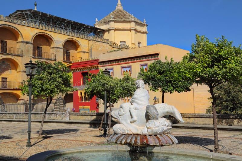 Catedral de Mezquita en un día soleado brillante en el corazón del histo imagen de archivo libre de regalías