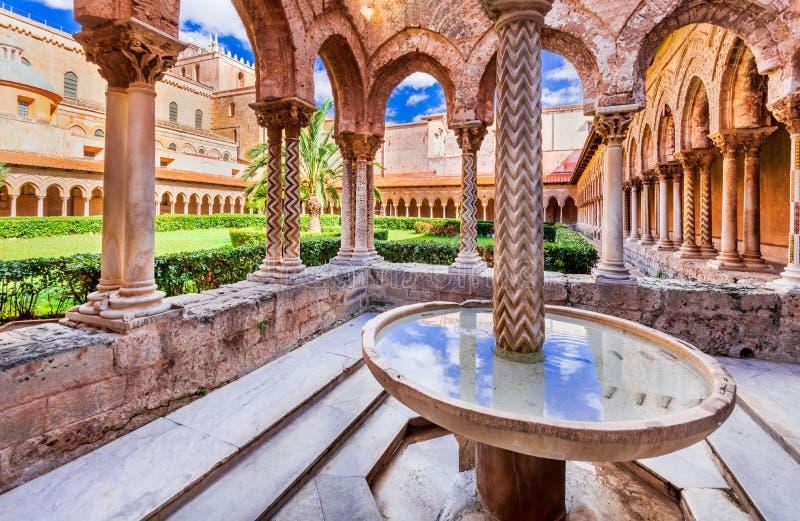 Catedral de Monreale, Palermo em Sicília fotografia de stock royalty free