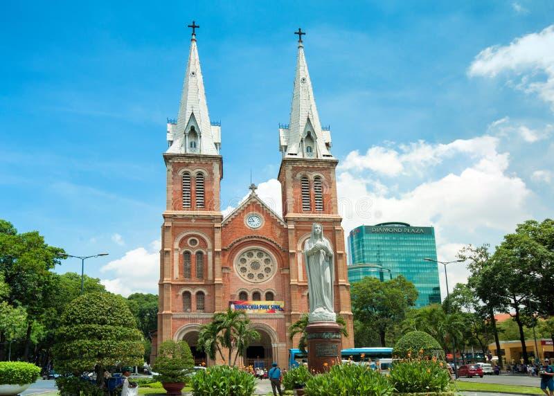 Catedral de Notre-Dame em Ho Chi Minh City, Vietname imagens de stock