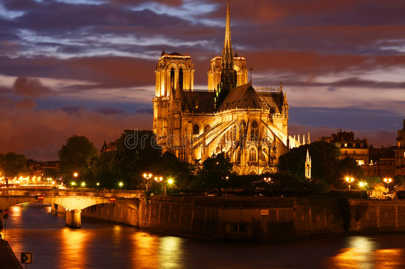Catedral de Notre Dame em Paris imagem de stock
