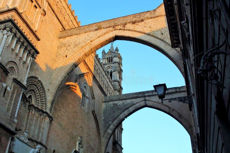 Catedral de Palermo, dedicada a la suposición de la Virgen María, Sicilia, Italia, un sitio del patrimonio mundial de la UNESCO fotografía de archivo
