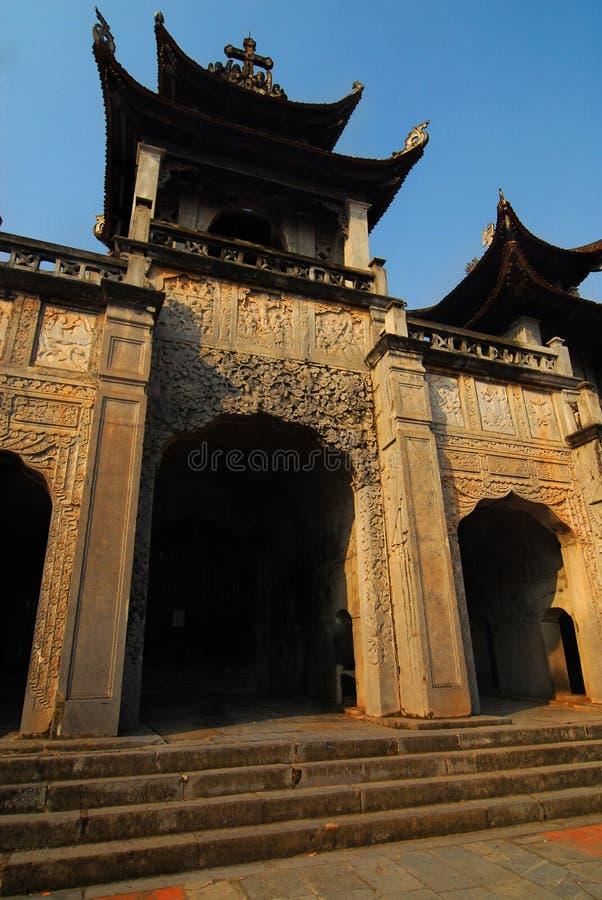Catedral de Phat Diem, Vietnam imagenes de archivo