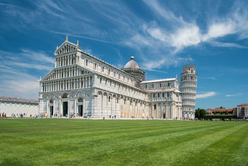 Catedral de Pisa e torre inclinada de Pisa fotos de stock