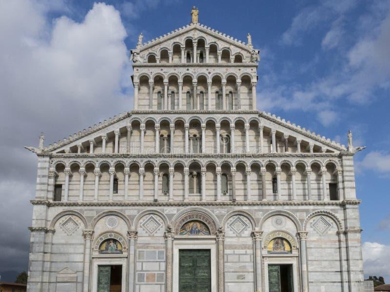 Catedral de Pisa no dei Miracoli da praça em Pisa, Toscânia, Itália foto de stock royalty free