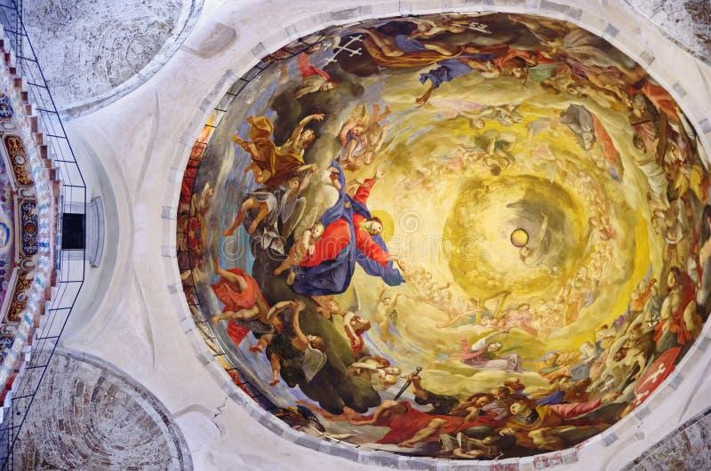 Catedral de Pisa - opinião do teto foto de stock