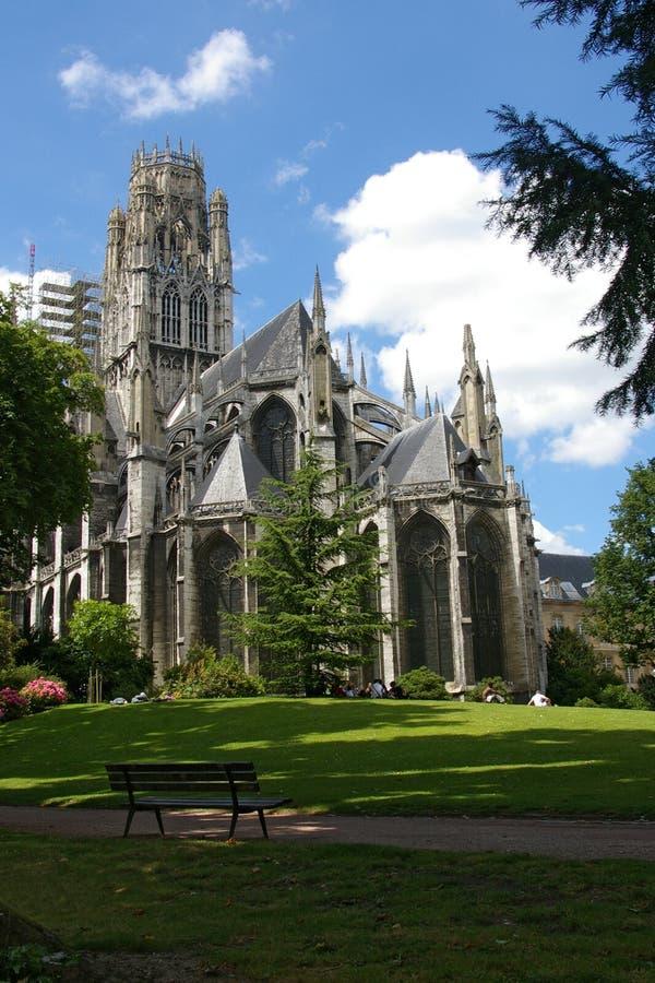 Download Catedral de Rouen imagem de stock. Imagem de céu, parque - 12812949