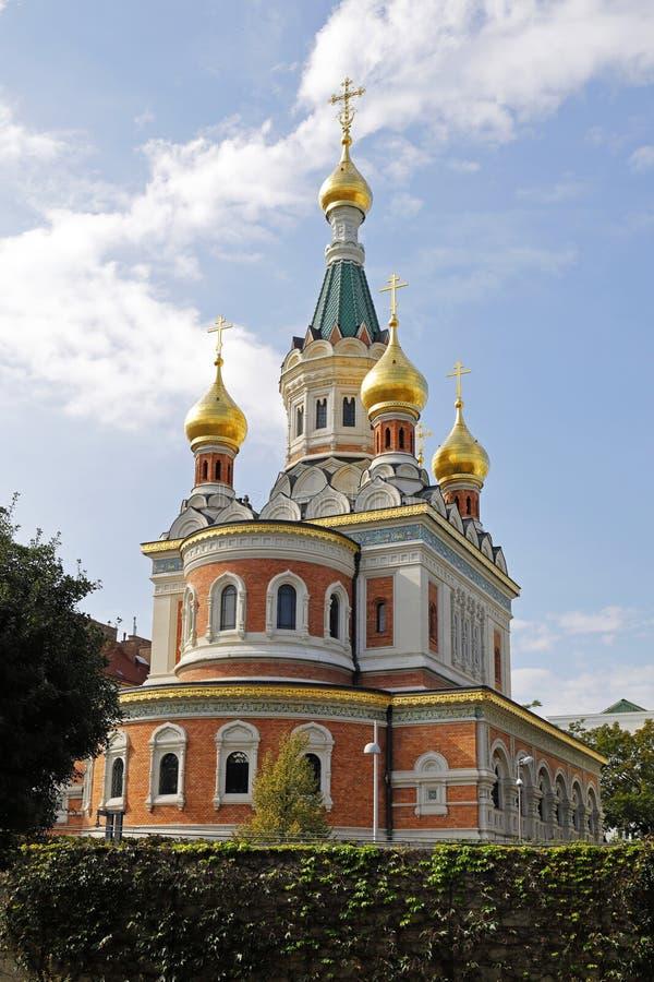 A catedral de São Nicolau, Viena, com suas cebolas da torre do ouro imagem de stock royalty free