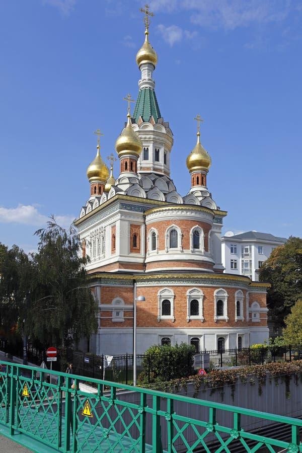 A catedral de São Nicolau, Viena, com suas cebolas da torre do ouro fotos de stock royalty free