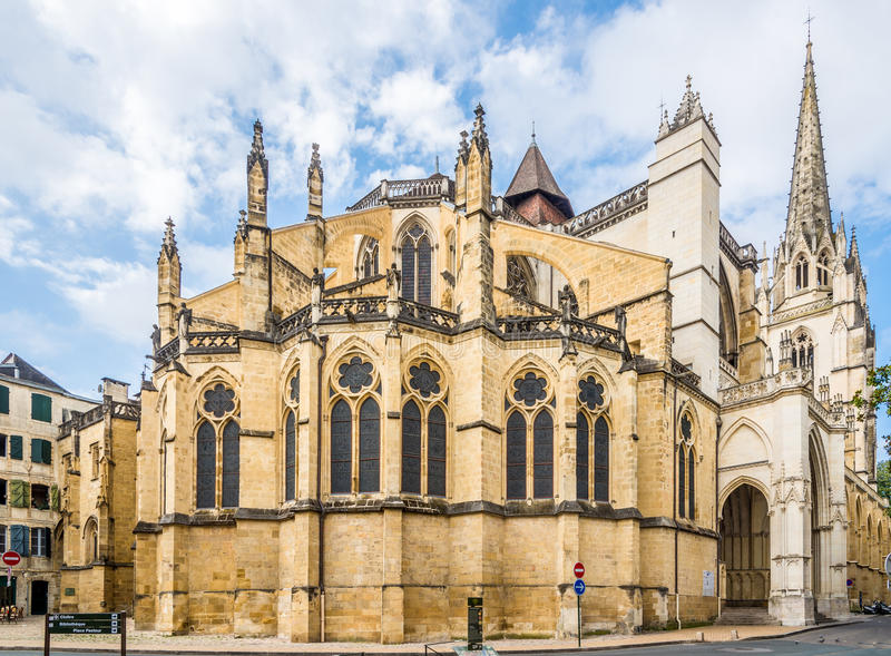 Catedral de Saint Marie em Bayonne - França foto de stock royalty free