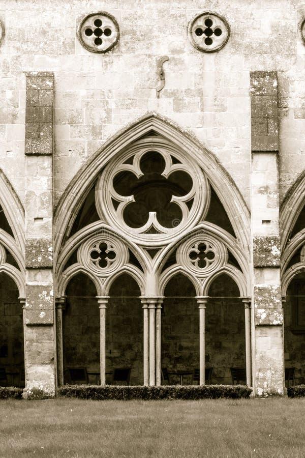 A catedral de Salisbúria enclausura o tom do Sepia fotografia de stock royalty free