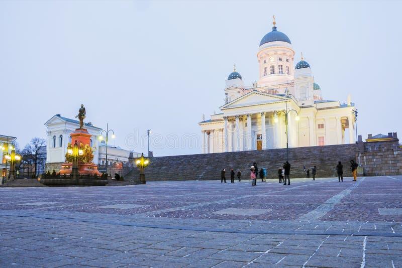 Catedral de San Nicolás en el cuadrado del senado en Helsinki fotos de archivo libres de regalías