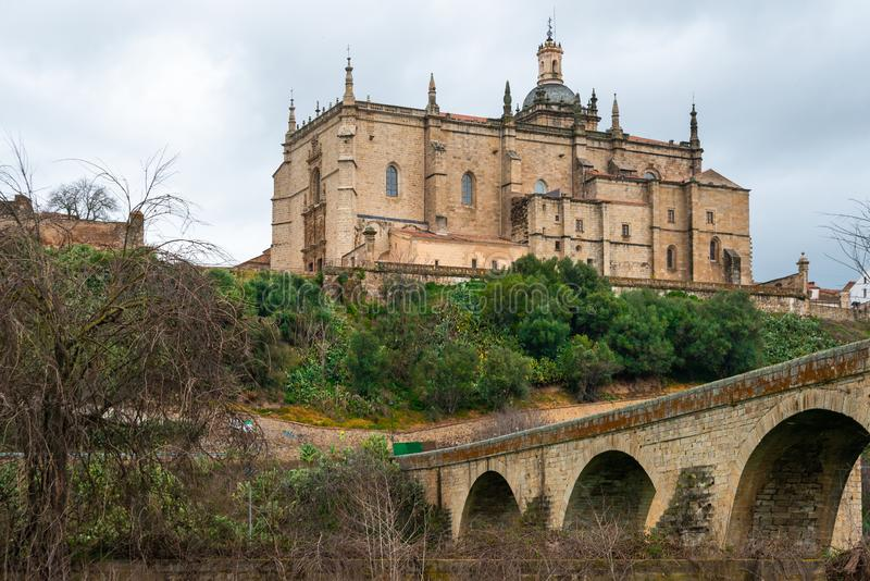 Catedral de Santa Maria de la Asuncion en dermis, Caceres, Extremadura, fotos de archivo