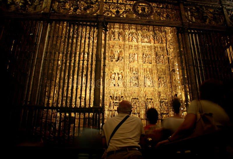 Catedral de Sevilha, o altar-piece dourado imagens de stock