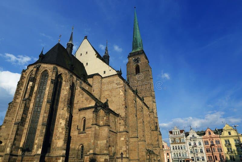 Catedral de St Bartholomew, arquitetura velha, Pilsen, República Checa fotos de stock