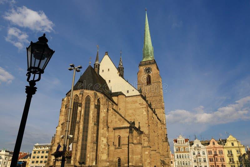 Catedral de St Bartholomew, arquitetura velha, Pilsen, República Checa foto de stock