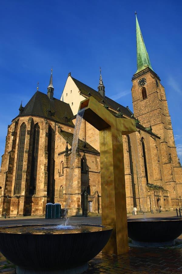 Catedral de St Bartholomew, arquitetura velha, Pilsen, República Checa imagens de stock royalty free