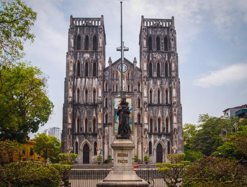 A catedral de St Joseph, Hanoi, Vietname imagens de stock royalty free