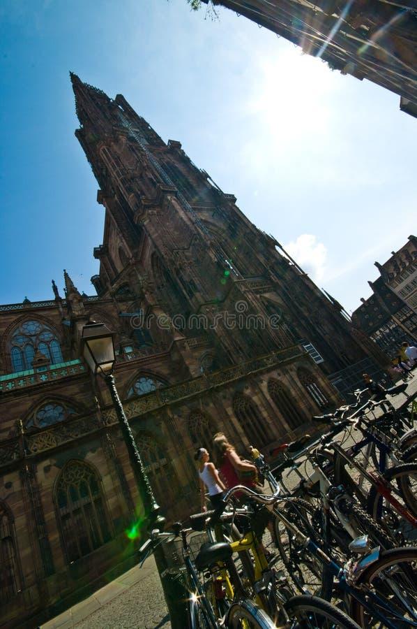 Catedral de Strasbourg, ângulo largo de França foto de stock
