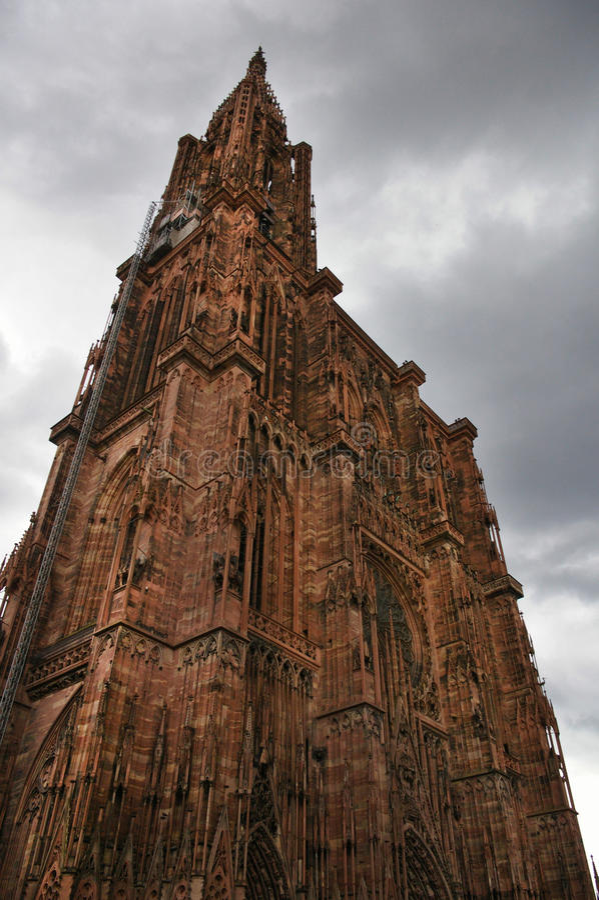 Download Catedral de Strasbourg foto de stock. Imagem de statuary - 12812926