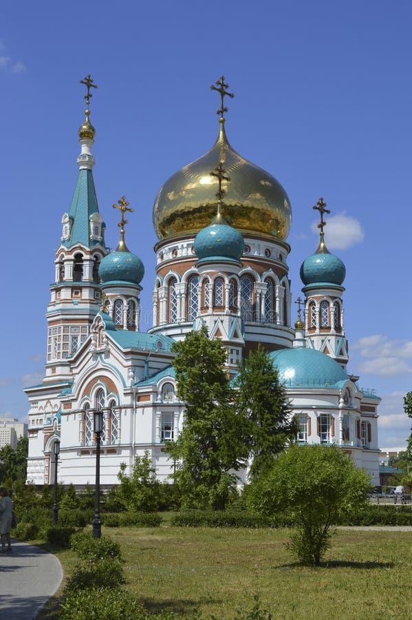 Catedral de Uspensky em Omsk, Rússia imagens de stock