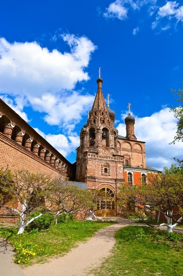 Catedral del compuesto de Krutitskoe en Moscú Rusia imagenes de archivo