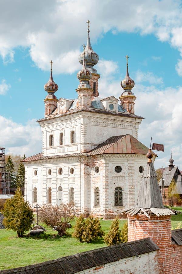 Catedral del monasterio de Michael Archangel en Yuryev-Polsky, Vladimir Region, Rusia imagenes de archivo