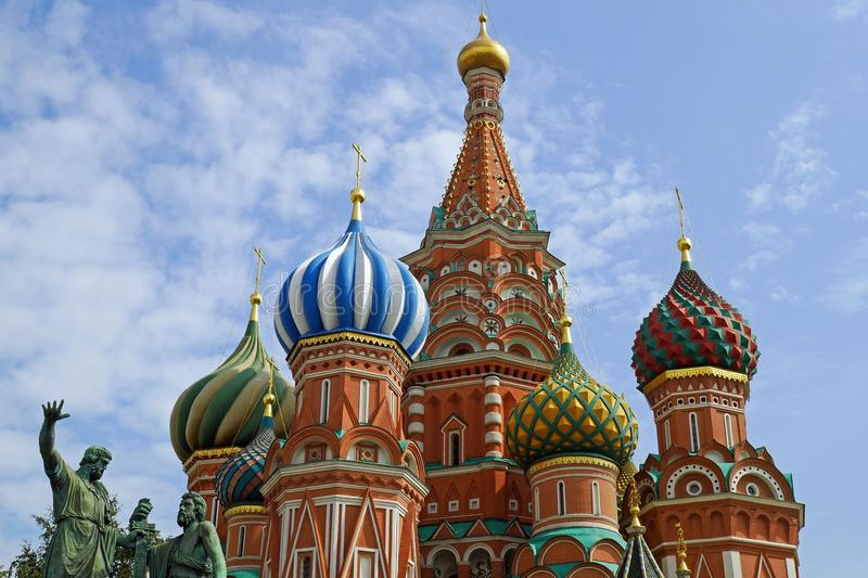Catedral del ` s de la albahaca del St en la Plaza Roja, Moscú, Rusia foto de archivo libre de regalías