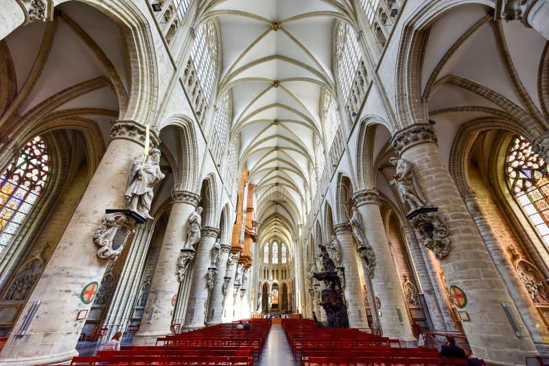 Catedral del St Gudula, Bruselas, Bélgica fotos de archivo