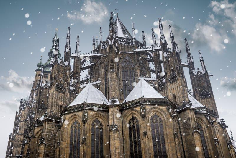Catedral del St Vitus en la ciudad vieja de Praga, República Checa imagen de archivo