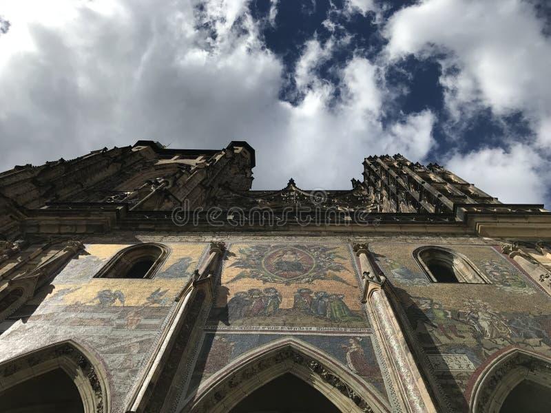 Catedral do céu em Praga imagem de stock royalty free