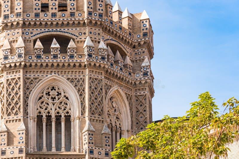 A catedral do del Salvador do salvador ou do Catedral em Zaragoza imagens de stock