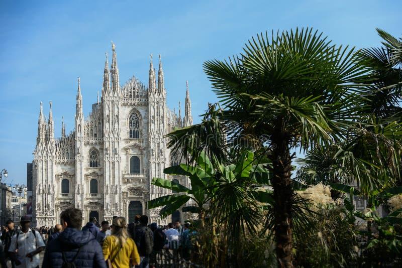 A catedral do domo em Milão, Itália foto de stock royalty free