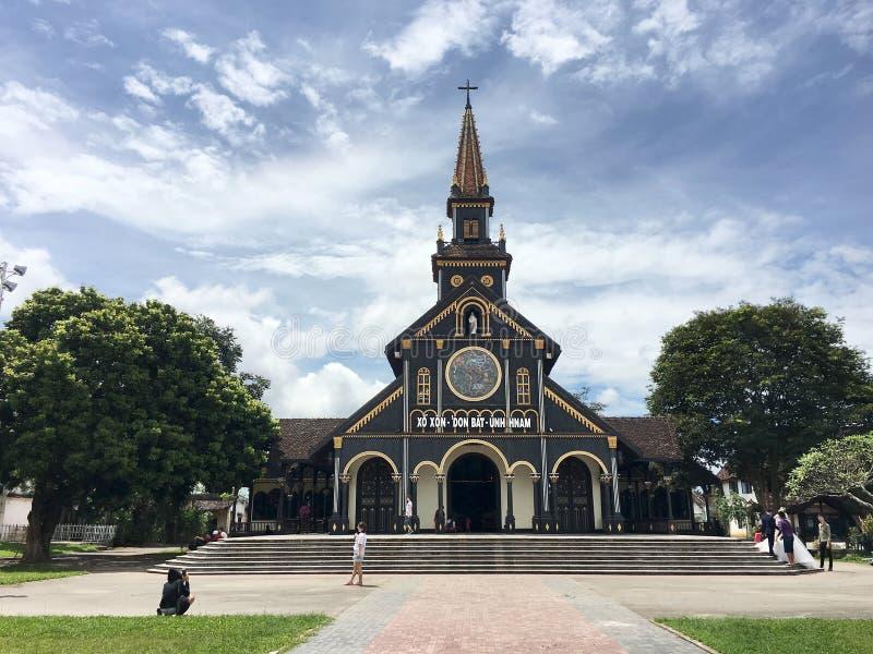 Catedral do exterior do ` s de Kon Tum, Vietname fotos de stock royalty free