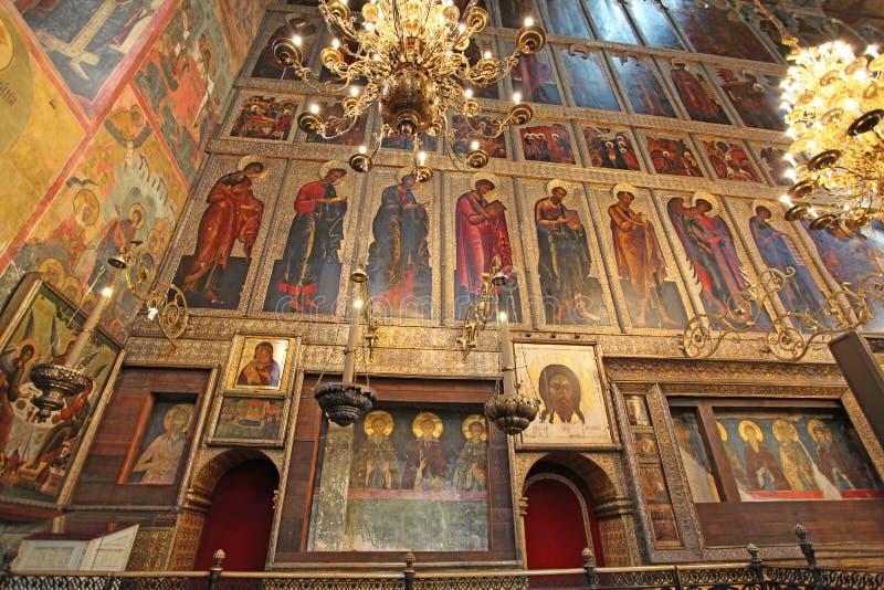 A catedral do interior da suposição, Kremlin de Moscou fotos de stock