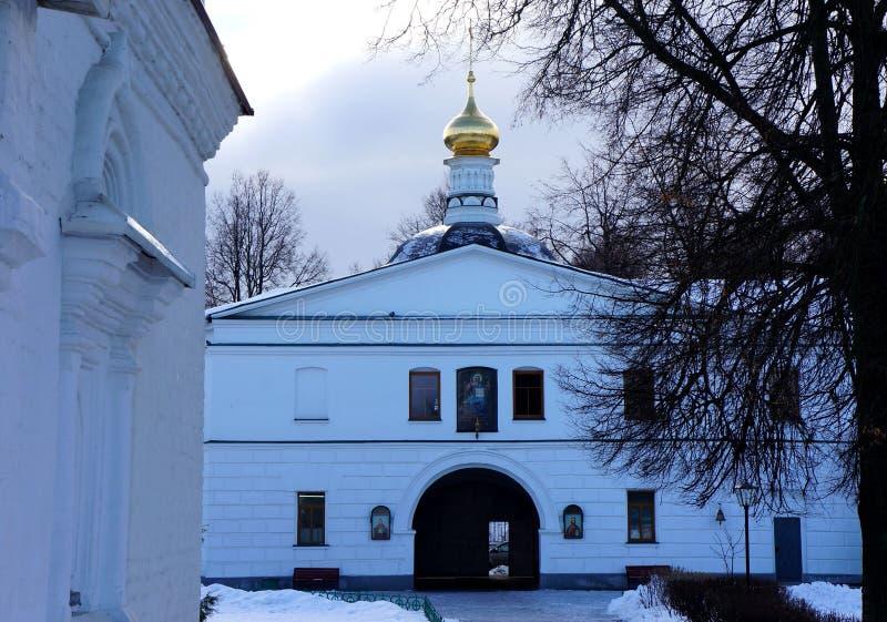 Catedral do monastério do Sts Boris e Gleb em Dmitrov imagem de stock